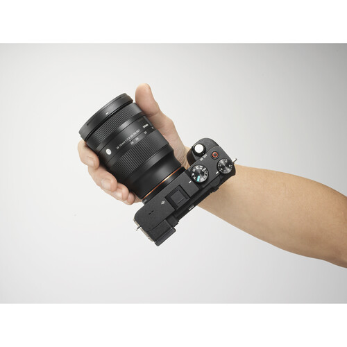 (PRE-ORDER) Sigma 28-70mm f/2.8 DG DN Contemporary Lens (FREE Sigma WR Ceramic protector 67mm filter worth RM480)